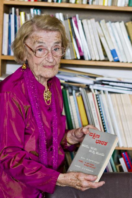 Dr T Scarlett Epstein OBE